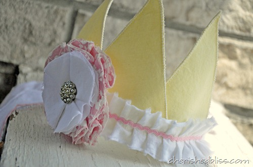 Ruffled Fabric Crown