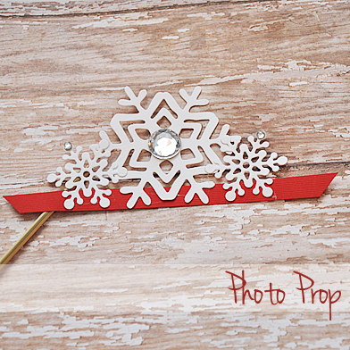 Snowflake Crown Photo prop via Cherished Bliss @LifestyleCrafts