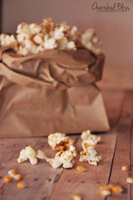 Homemade Kettle Corn {Microwaveable} // via Cherishedbliss.com #snack #popcorn