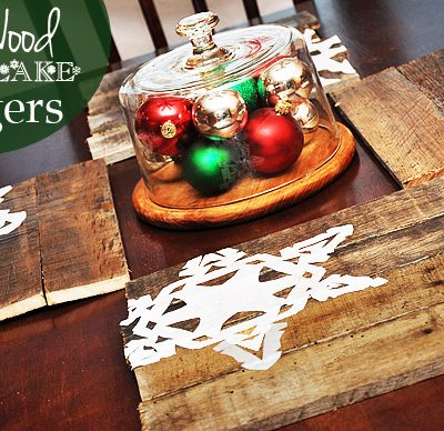 DIY Pallet Wood Chargers