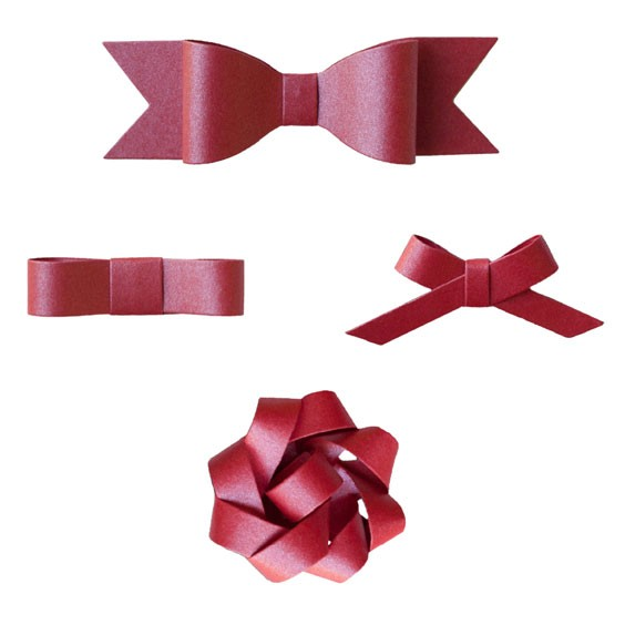 Gift Wrapping Ideas - wrapping with paper bow garland via cherishedbliss.com #Christmas #wrapping #craft