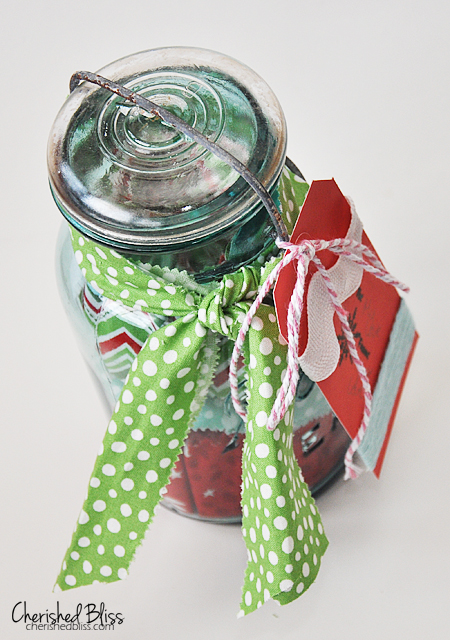 Mason Jar Gift Card Holder via cherishedbliss.com // #christmas #giftcard #wrapping #masonjar
