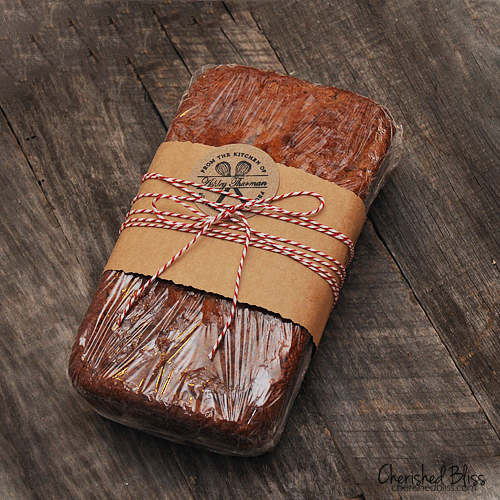 Yummy Banana Bread Recipe via Cherishedbliss.com #recipe #baking