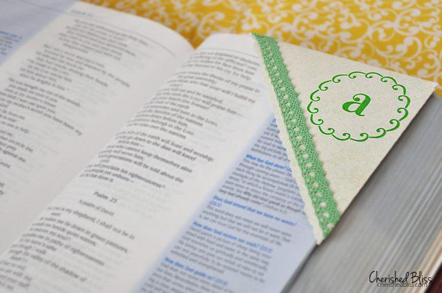 Super easy Monogrammed Corner Bookmarks tutorial via Cherishedbliss.com