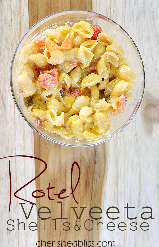 How to spice up your Velveeta Shells and Cheese for a quick summer side dish #cheesyshells #shop #ad