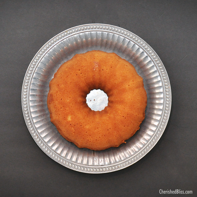 An Old Fashioned 7up Pound Cake Recipe. Perfect for the Holidays! #HolidayButter #shop #cbias