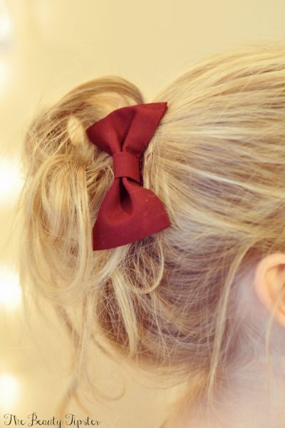 A great Messy Bun Video tutorial that is great for the holidays!
