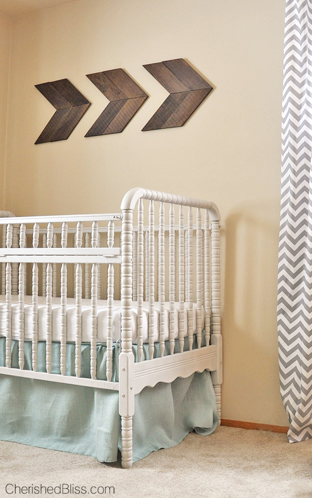 A precious Vintage Travel Themed Nursery. Such a beautiful room!