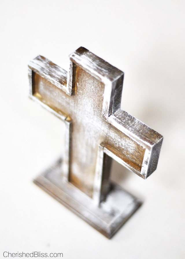Create this Moss Covered Cross for a simple addition to your Easter Decor, or leave it up all year!