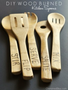 Add a little something extra to your kitchen with these DIY Wood Burned Spoons