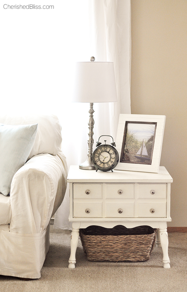 This Eclectic Cottage Living room is refreshed for the summer! Come take a tour! #BHGRefresh