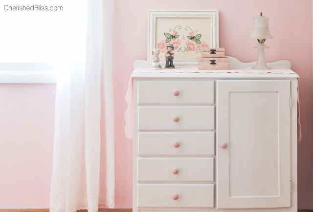 A Pink Shabby Chic Accent wall   Perfect for any little girl!