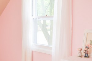 A Pink Shabby Chic Accent wall | Perfect for any little girl!