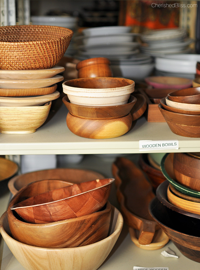 Love wooden bowls!