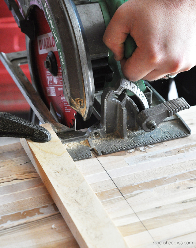 Set up a fence to cut countertops in order to provide the straightest cut possible.