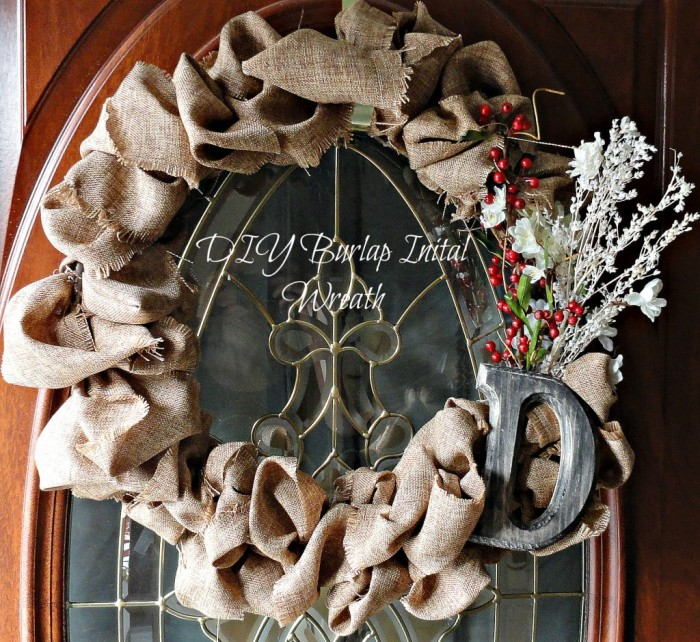 diy burlap initial wreath