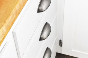 Tired of uneven cabinet knobs?? How to Install Cabinet Hardware Perfectly Straight - the easy way