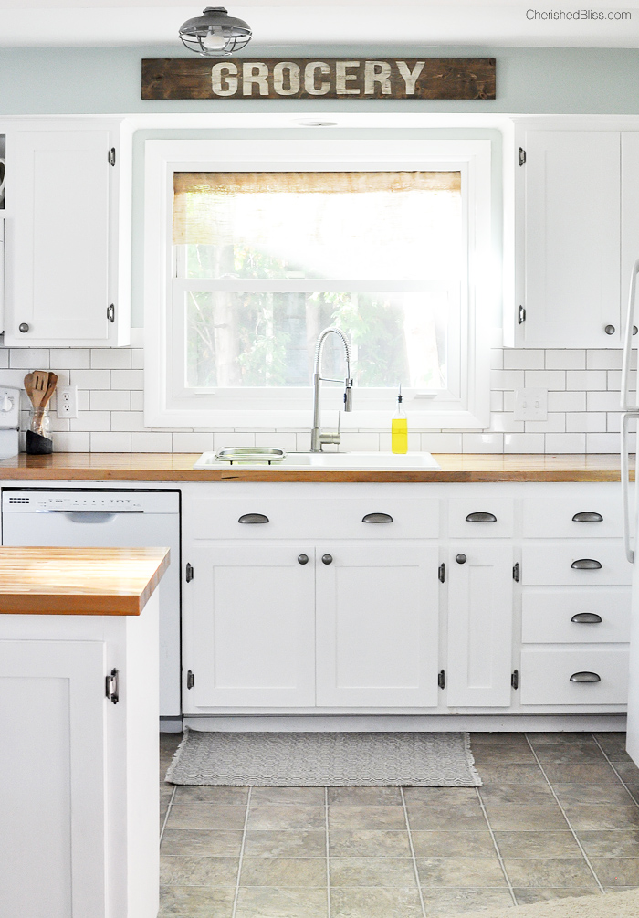 Love this beautiful Farmhouse Cottage Kitchen Shaker style cabinets