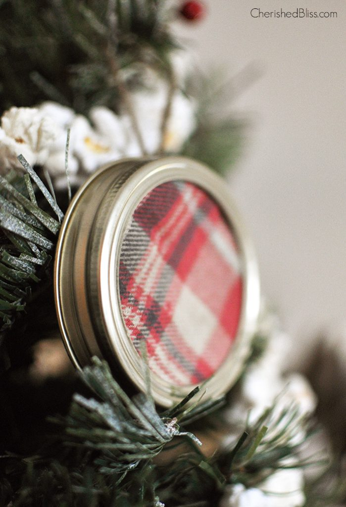 Super Simple and Easy Plaid Mason Jar Lid Ornament via Cherishedbliss.com