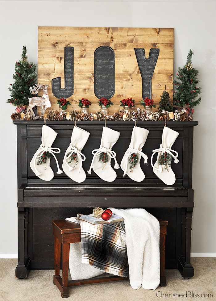 Rustic Christmas Fireplace Decor