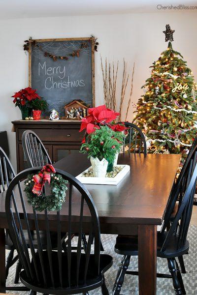 Take a Stroll through this Cottage Farmhouse Christmas Home Tour via Cherishedbliss.com