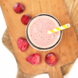 Enjoy this Orange Strawberry Banana Breakfast Smoothie when you need a breakfast on the go!