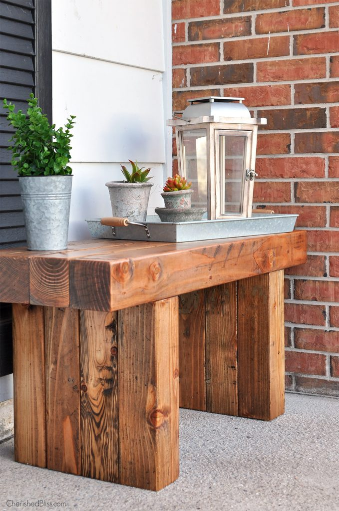 This Chunky Outdoor bench is the perfect Easy DIY Outdoor Project!