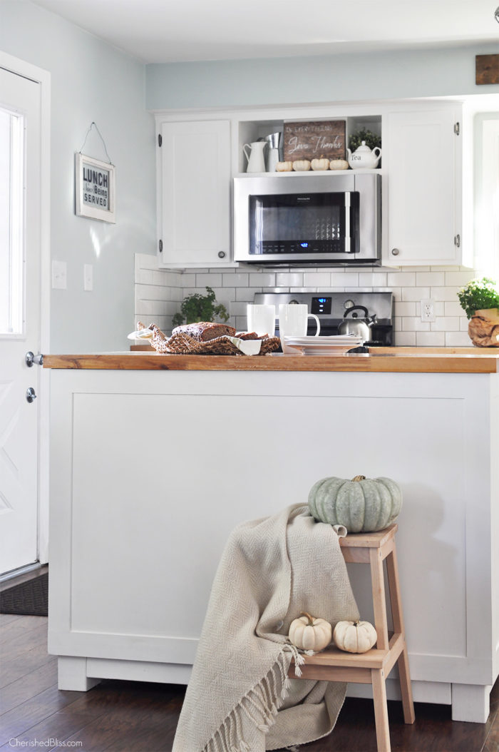 Take a stroll through this beautiful Farmhouse Fall Home Tour