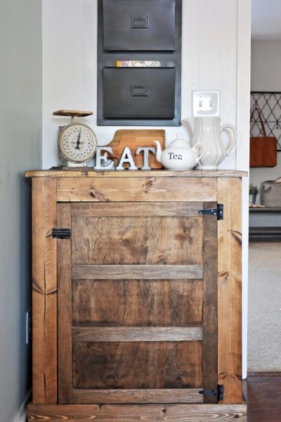 How to Build a Small Farmhouse Buffet | Free Plans