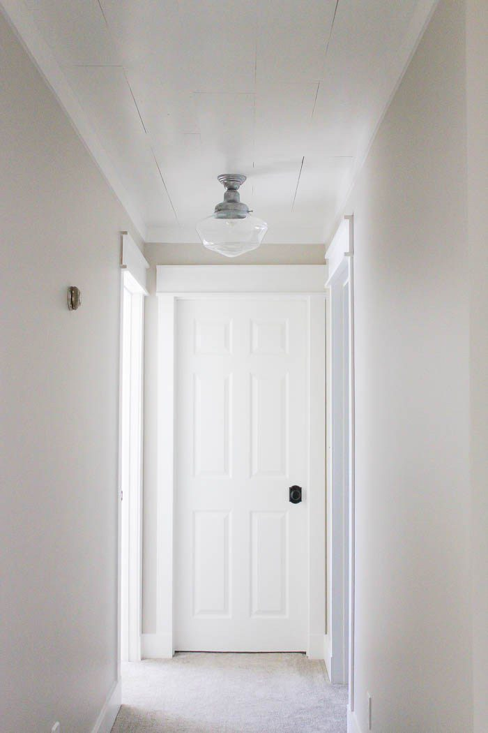 Feast your eyes upon this farmhouse style trim my friends! Would you believe it is easy to do? Check it out!