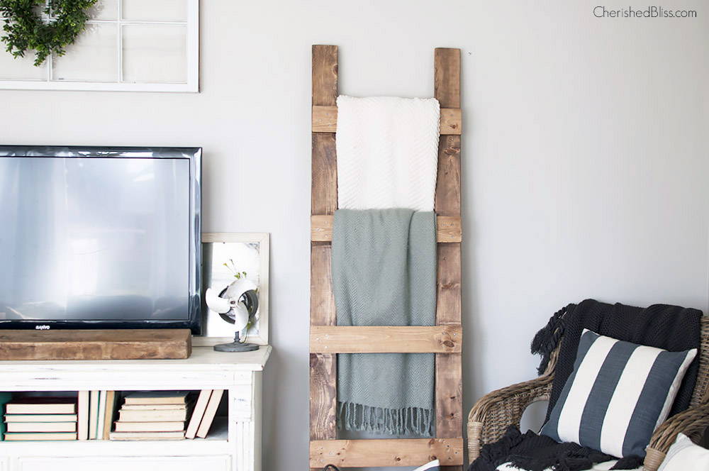b05b796af8 Learn how to make a DIY Blanket Ladder. With this simple tutorial and only 3