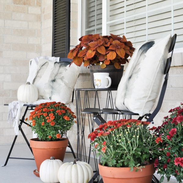 Simple Fall Porch for a Beautiful Season