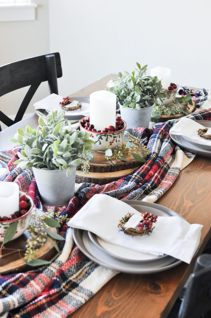 Don't stress and enjoy this Christmas season with this easy and stress-free Cozy Christmas Tablescape. Such a simplistic beautiful approach!