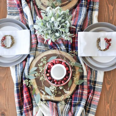 Simple, Cozy Christmas Tablescape