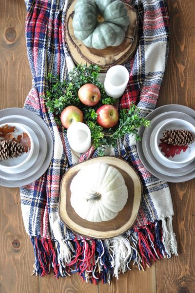 A Simple, Cozy Fall Tablescape
