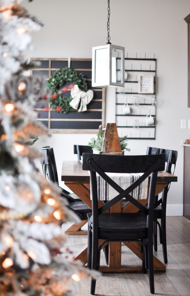 Modern Farmhouse Christmas Dining Room