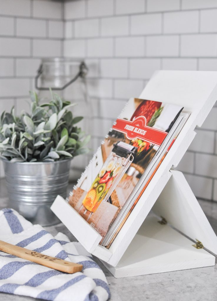 DIY Foldable Recipe Stand Free Plans
