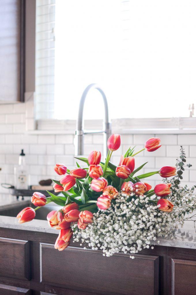Take a tour of this Modern Farmhouse Spring Home