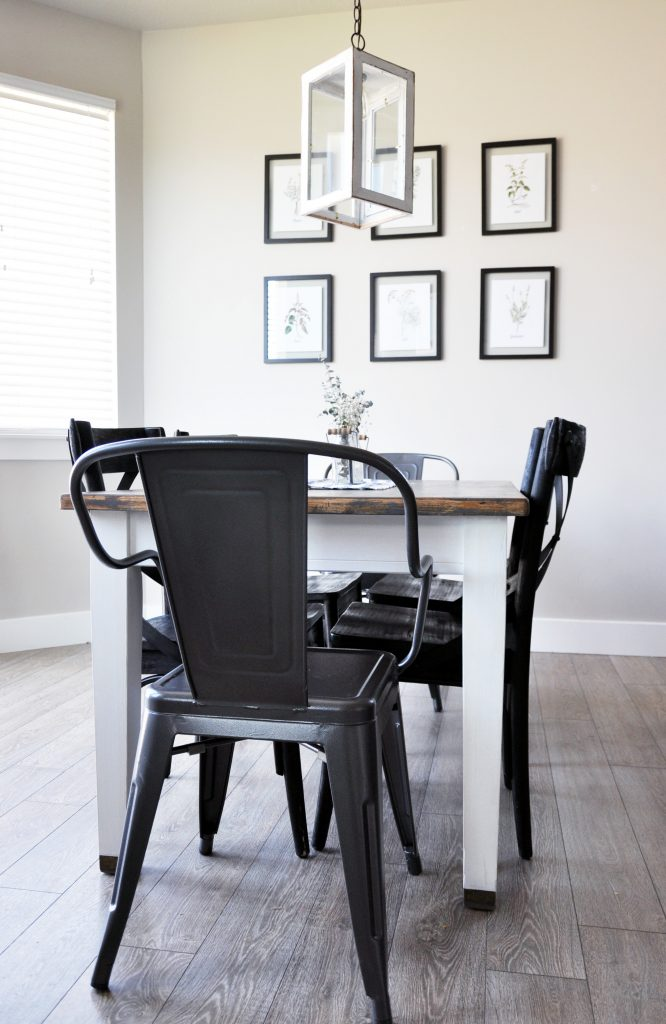 This table has seen an amazing transformation! Learn how to create the perfect Farmhouse Finish with this Farmhouse Dining Room Table Makeover.