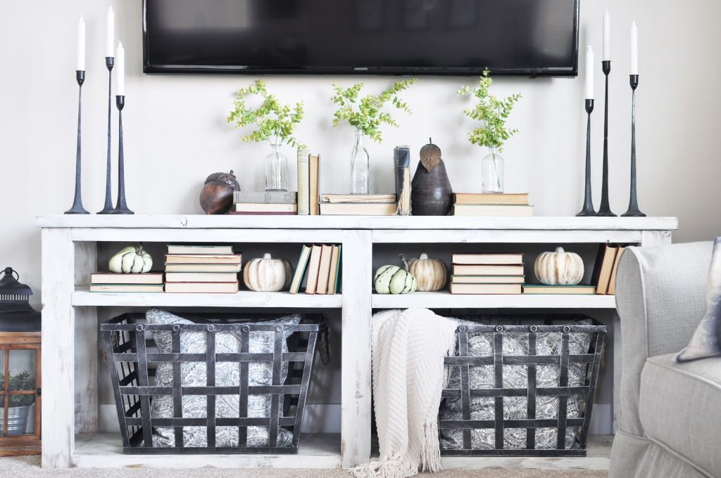 Welcome in the beautiful season of Fall with this Simple Early Fall Mantel filled with neutral tones, textured and of course coziness!