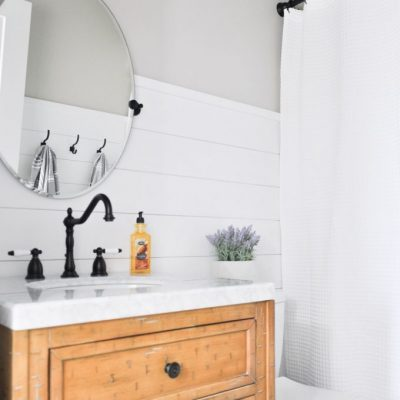 Modern Farmhouse Bathroom Makeover