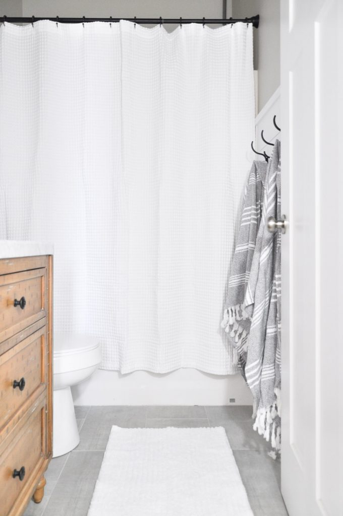 This Light And Airy Bathroom Is The Perfect Way To Transform A Small Stuffy Space Into