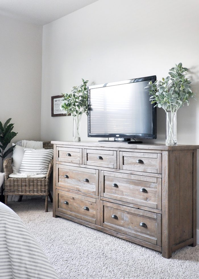 https://cherishedbliss.com/modern-farmhouse-master-bedroom/