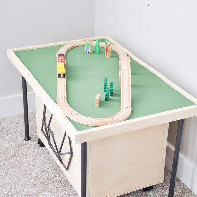 Space Saving DIY Train Table Free Plans