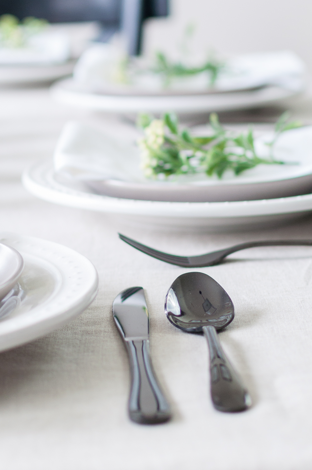 How to Set a Tablescape in 5 Easy Steps || Add Texture to your Tablescape