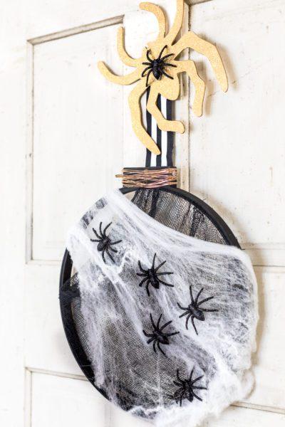 Embroidery Hoop Halloween Wreath Tutorial