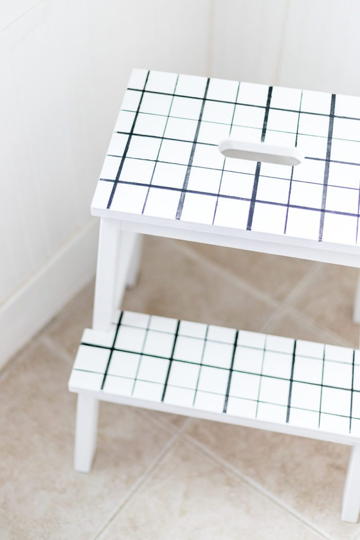 Follow this easy tutorial and learn how to paint a plaid stool. This simple process shows you how to recreated this look!
