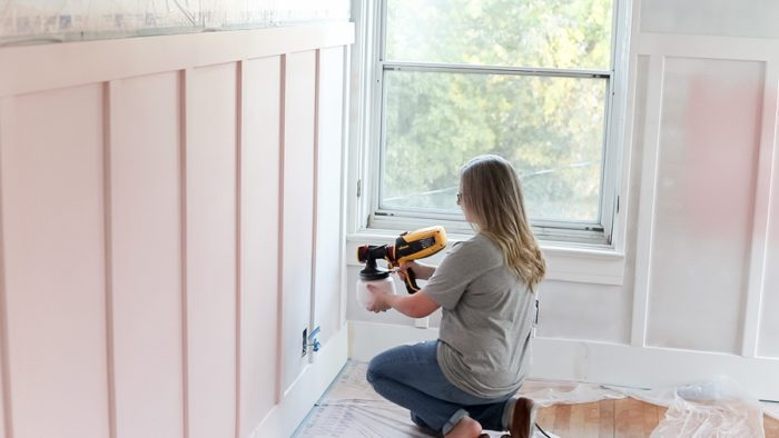Learning how to paint a home interior with these tips will help you be more efficient and leave you with professional results.