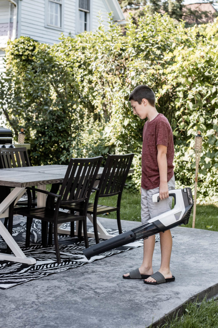 Hoover OnePWR Cordless Blower is perfect for cleaning off patios.