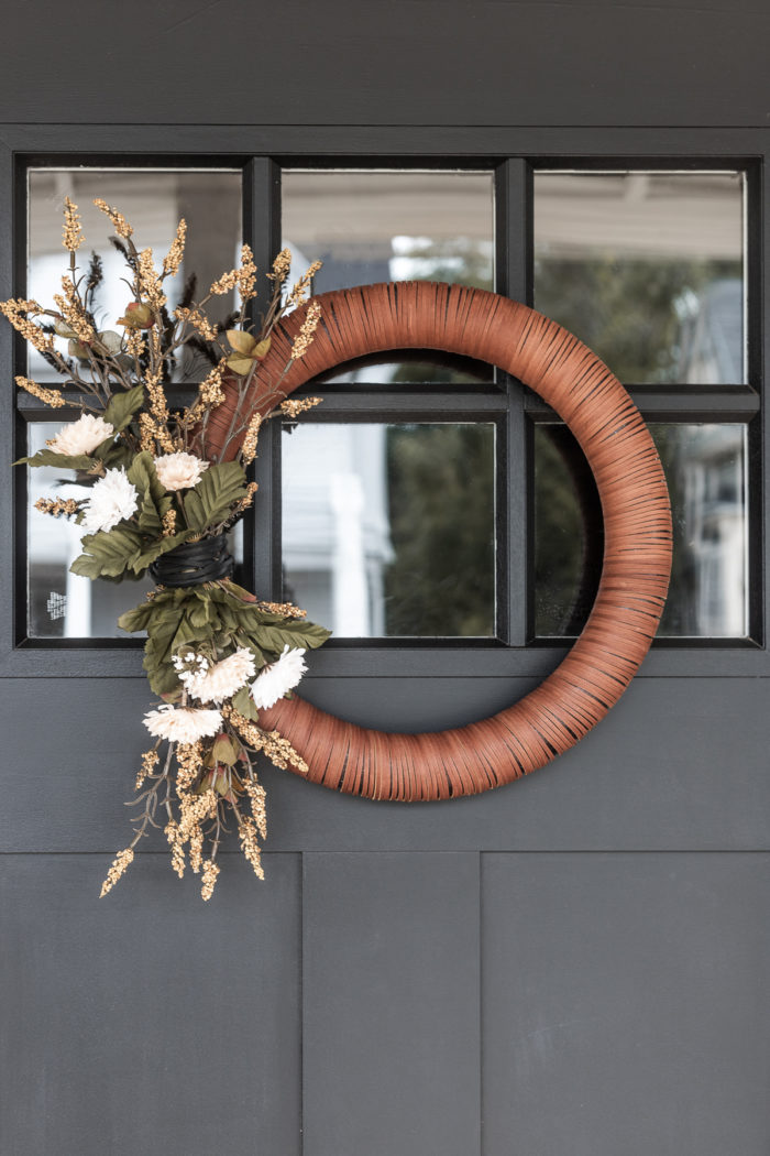 Tutorial on how to make a Neutral Modern Wreath for fall.